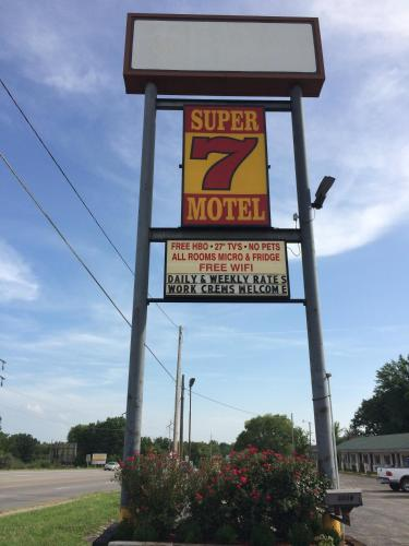 Super 7 Motel Photo