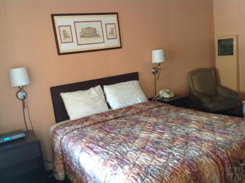 Villa Court Inn Oroville Photo