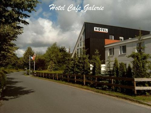 Hotel-Caf-Galerie