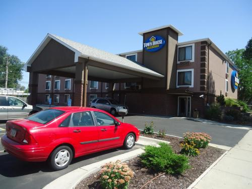 Picture of TownHouse Extended Stay Hotel Downtown