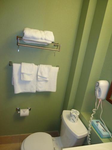 TownHouse Extended Stay Hotel Downtown Photo