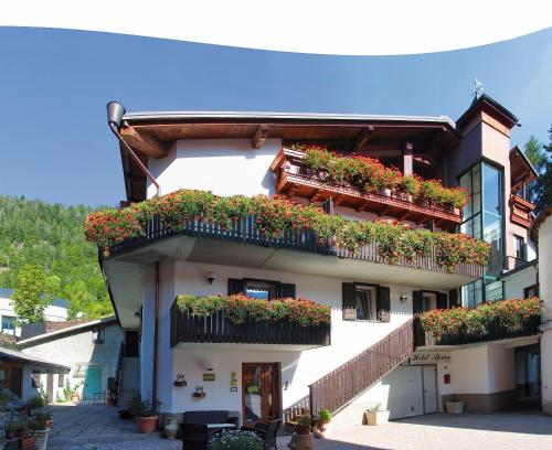 Hotels in aprica italy for Meuble ambrosini