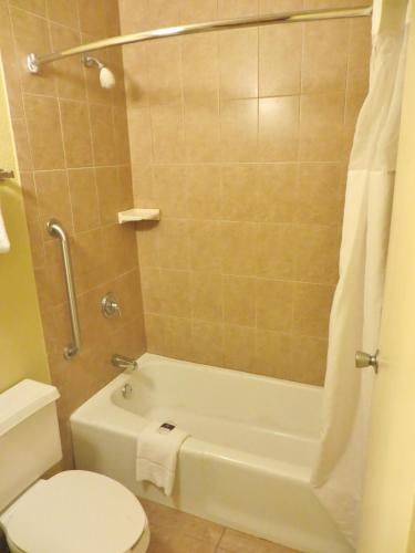 Days Inn Orlando Airport/Florida  Mall - Orlando, FL 32837