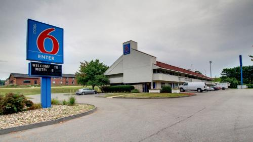 Motel 6 Cedar Rapids Photo