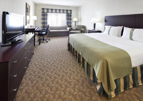 Holiday Inn Springdale-Fayetteville Area Photo