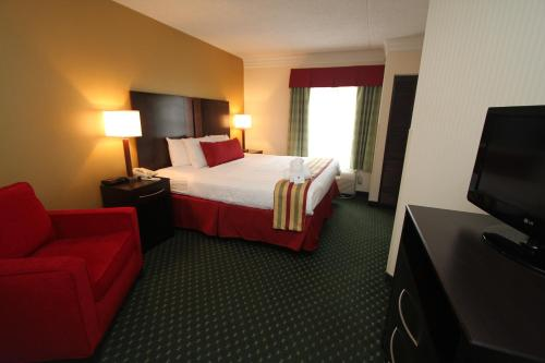 Clarion Inn & Suites Gatlinburg Photo
