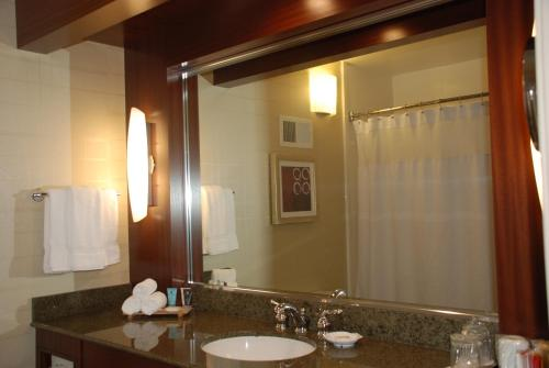 Crowne Plaza Hotel Foster City-San Mateo Photo