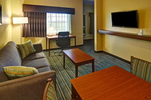 Best Western Plus Patterson Park Inn Photo