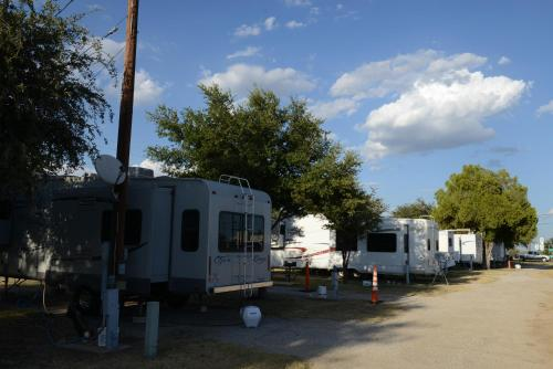 Albany Inn & RV Campground Photo