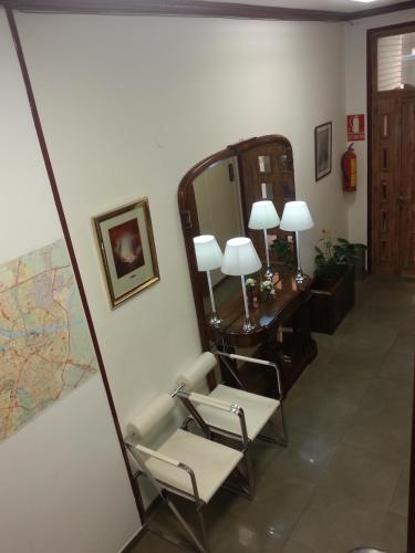 Hotel Hostal Arenal thumb-2