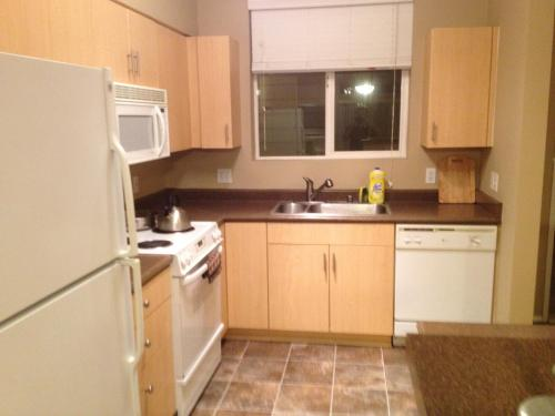 Escape At Seattle Apartment - Renton, WA 98058