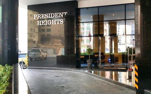 President Heights, Manama