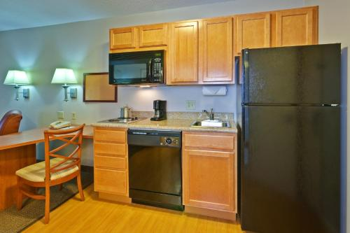 Candlewood Suites Fort Wayne - NW Photo