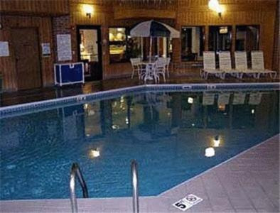 Country Hearth Inn & Suites Fulton Photo