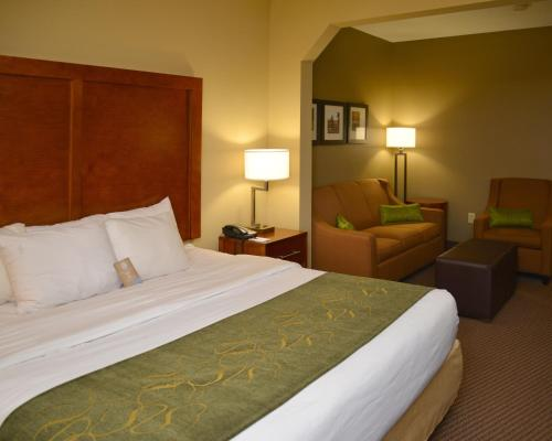 Comfort Suites Crossville Photo