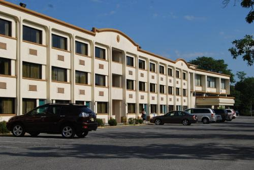 Country Hearth Inn & Suites Photo