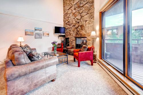 Marina Place 336 by Colorado Rocky Mountain Resorts