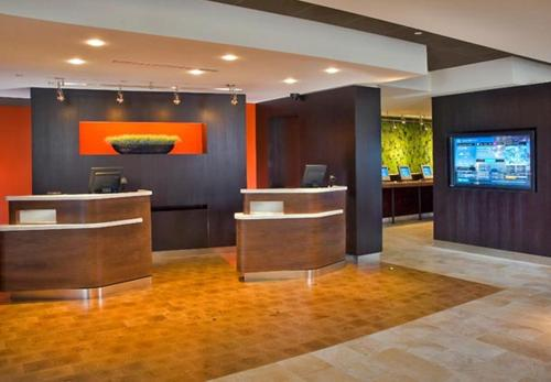 Courtyard by Marriott Winnipeg Airport Photo