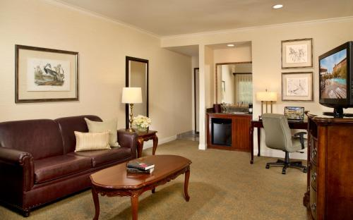 Ayres Hotel And Suites Costa Mesa/Newport Beach - Costa Mesa, CA 92626