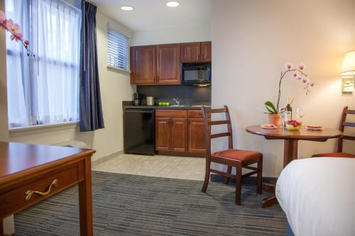 Federal City Inn & Suites - New Orleans, LA 70114