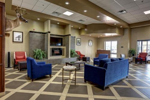 Batesville (MS) United States  city photos gallery : Comfort Suites Batesville, Batesville, MS, United States Overview ...
