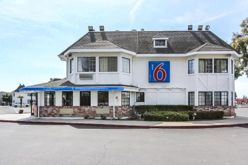 Motel 6 Fremont North - Fremont, CA 94555