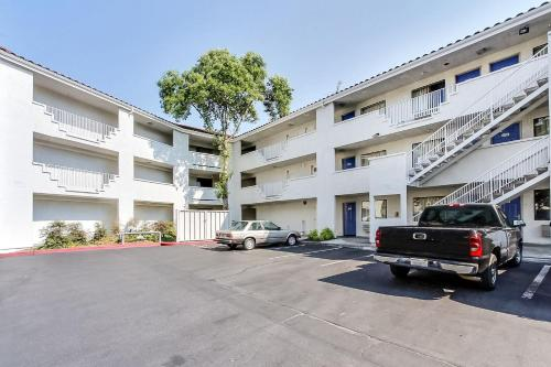Motel 6 Sunnyvale North Photo