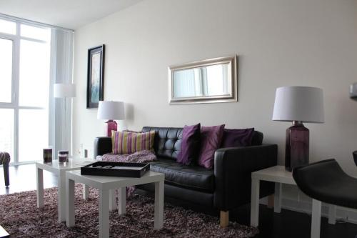 Accurate Plus Furnished Apartment- Brickstone Mews Photo