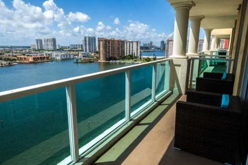 Miami Beach Intracoastal Yacht Club by Riviera Travel