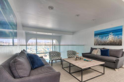Oceanside Marina Suites - Oceanside, CA 92054