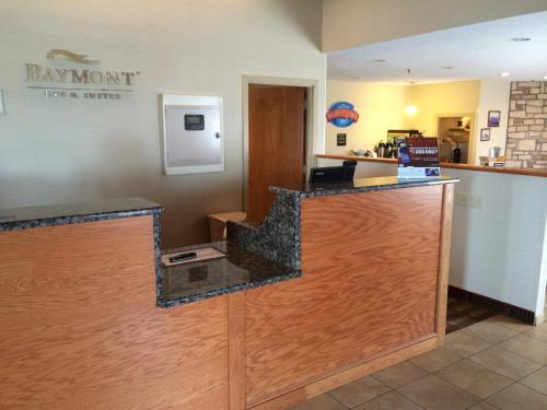 Baymont Inn & Suites Metropolis Photo