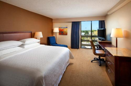 The Sheraton Albuquerque Uptown Hotel Photo