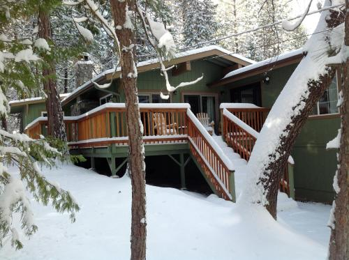 Manzanita Cabin - Bass Lake Photo