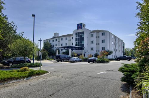 Motel 6 - Portsmouth Photo