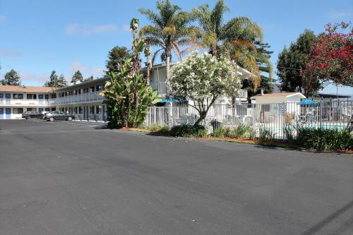 Motel 6 San Luis Obispo North Photo