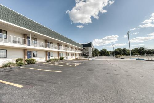 Motel 6 New London - Niantic Photo