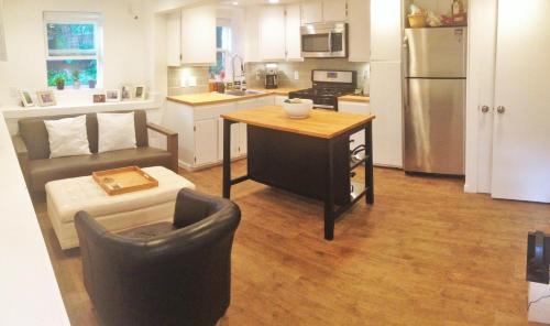 hotel 1 bedroom apartment in the sugarhouse district of