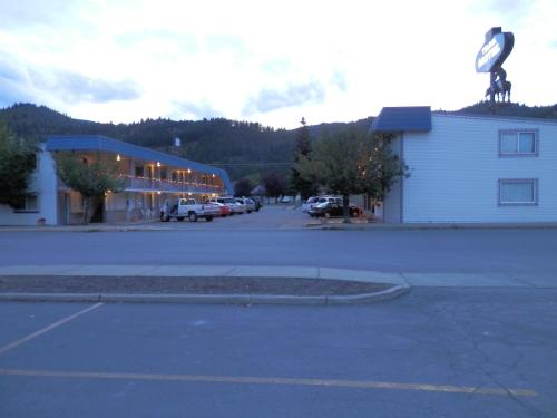 Picture of Trail Motel