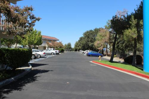 Motel 6 Paso Robles Photo