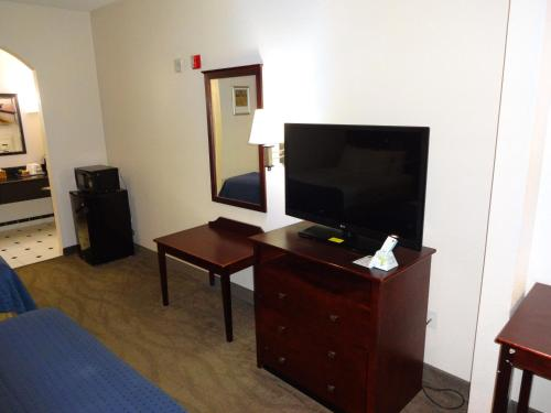 Best Western Windsor Suites Photo