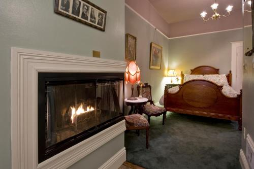 Inn San Francisco - Bed And Breakfast - San Francisco, CA 94110