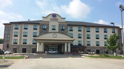 Comfort Suites Uniontown Photo