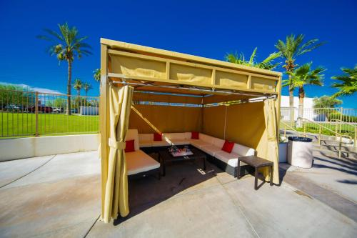 The Nautical Beachfront Resort - Lake Havasu City, AZ 86403