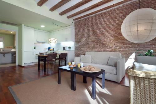 Inside Barcelona Apartments Esparteria photo 25