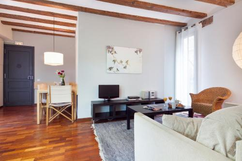 Inside Barcelona Apartments Esparteria photo 32