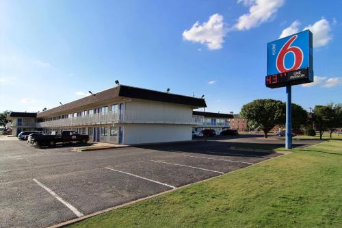Motel 6 Lubbock Photo