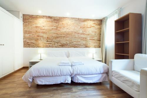 Inside Barcelona Apartments Sants photo 18
