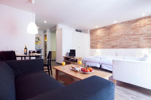 Inside Barcelona Apartments Sants photo 22
