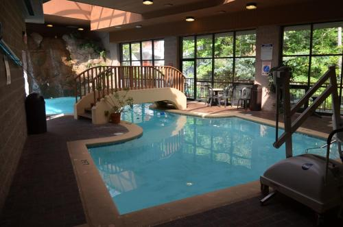 Zoders Inn and Suites Photo