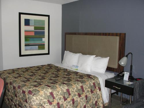 Days Inn Benton - Benton, AR 72015